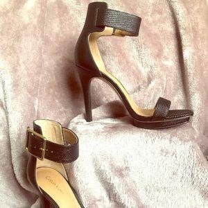 Stunning Calvin Klein Vable Snake Shoe